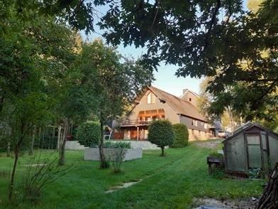 Geräumiges Haus mit parkähnlicher Gartenanlage in einzigartiger Vennlandschaft.