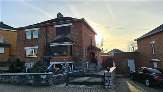 Haus mit 107m²  in La Calamine - 4720 La Calamine, Belgien