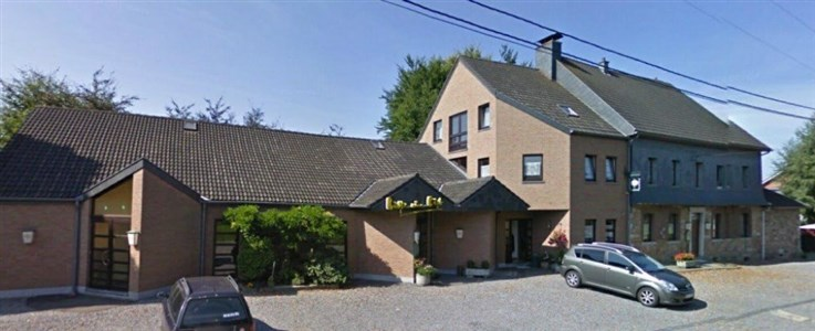 Kettenis: Grossvolumiges Anwesen mit Renditepotential - 4701 Kettenis, Belgien