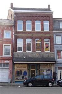 Besonderes Angebot mit vielseitigen Nutzungsmöglichkeiten: Als Wohn - und Geschäftshaus, Mehrfamilienhaus mit bis zu 5 Wohneinheiten oder aber Mehrgenerationenhaus. - 4700 Eupen, Belgien