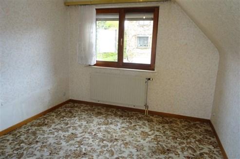 Gepflegte Doppelhaushälfte in Grenzlage B-NL-D mit Garten, Garage in ruhiger Sackgasse.