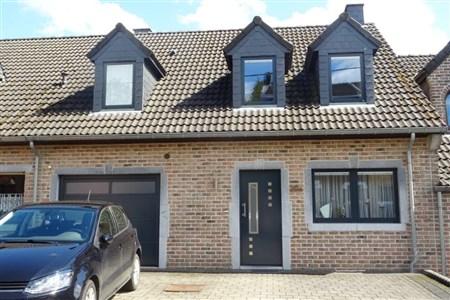 Zeitgemäß renoviertes Reihenmittelhaus in Moresnet – 1 Ort, 2 Sprachen, 3 Länder (B/NL/D) - 4850 Moresnet, Belgien