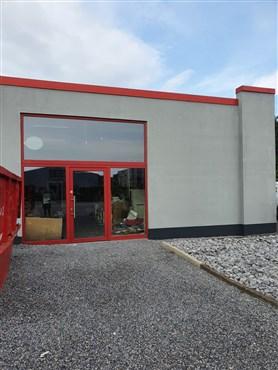 Überschaubare Hallen- oder Produktionsfläche im florierenden Industriegebiet Rovert/Eynatten.