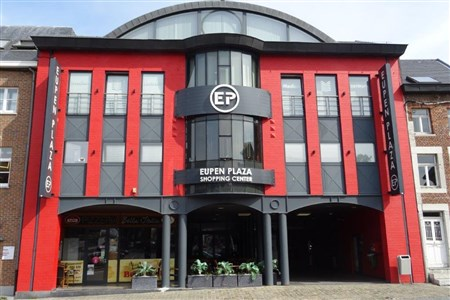 Gewerbe- und/oder Büroflächen  162 m² individuell nutzbar nach Ihren Vorstellungen und Bedürfnissen. Ideal für HORECA - 4700 Eupen, Belgien
