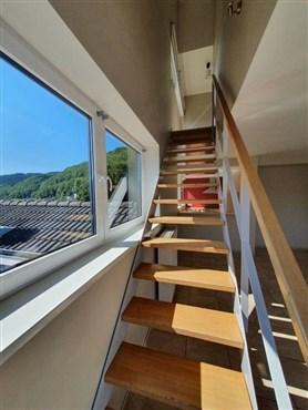 Zentrales Wohnen mit atemberaubendem Ausblick in verkehrstechnisch optimaler Lage nahe unberührter Natur.