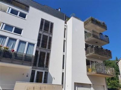 Zentrales Wohnen mit atemberaubendem Ausblick in verkehrstechnisch optimaler Lage nahe unberührter Natur. - 4960 Malmedy, Belgien