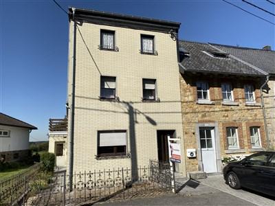 Lichtenbusch: Renovierungsbedürftiges Reihenendhaus - 4731 Raeren, Belgien
