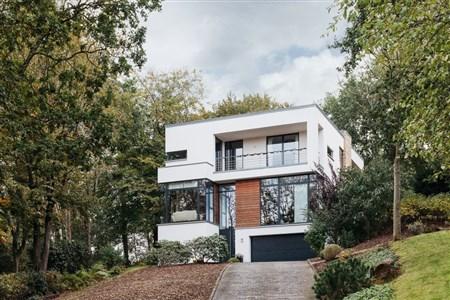 Hergenrath: Architektenvilla im Bauhausstil auf parkähnlichem Grundstück - 4728 Hergenrath, Belgien