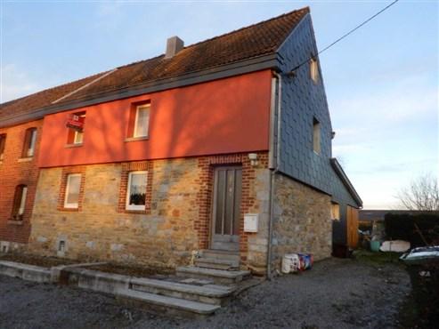 Schmuckes, altes Bauerneckhaus in Bruchsteinoptik mit Ausbaumöglichkeiten in interessanter Lage.