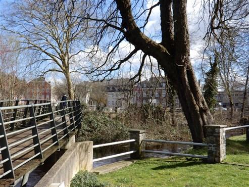 In Zeiten wie diesen, sorgen Sie für Ihre Zukunft! Ideale Starterwohnung oder Investitionsobjekt mit Blick auf die Weser.