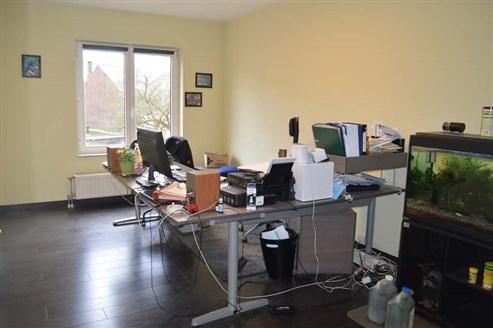 Eckhaus als Bürohaus für freiberufliche Tätigkeiten oder gewerbliche Tätigkeiten in exzellenter Lage