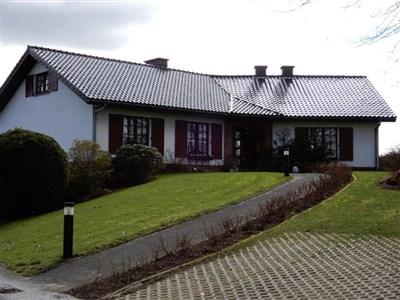 Schmucker Bungalow mit Fotovoltaikanlage in naturverbundener Lage in einem der schönsten Dörfer im Süden der DG. - 4750 Weywertz, Belgien