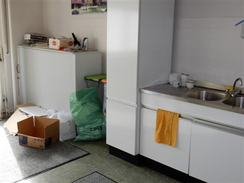Optimale Gelegenheit für kleines Geld in optimaler Stadtnähe: Zu renovierendes Einfamilienhaus.