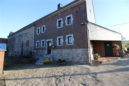 Bauernhaus mit Nebengebäuden   - HOMBOURG