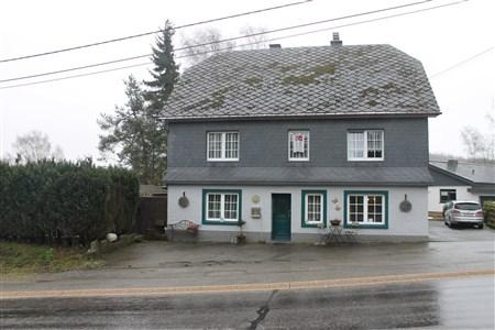 Wohnhaus mit 2 getrennten Wohneinheiten - 4750 Butgenbach, Belgien