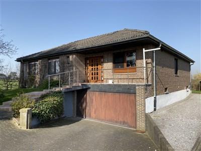 Gut gelegenes Wohnhaus mit Einliegerwohnung - 4730 Raeren, Belgien