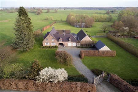 Raeren: Exklusive Landhausvilla - 4730 Raeren, Belgien