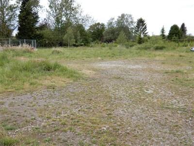 Investoren aufgepasst: Interessantes Grundstück in absoluter Grenznähe mit vielen Möglichkeiten. - 4730 Raeren, Belgien