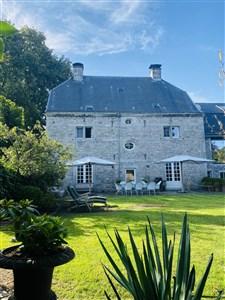 Attraktives Herrenhaus mit Baugrundstück in schöner Lage - 4731 Eynatten, Belgien
