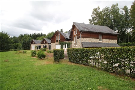 Villa mit großem Garten und Innenpool - 4845 Jalhay, Belgien