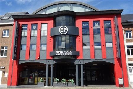 BÜROFLÄCHEN: Unschlagbares Angebot für clevere Kapitalanleger mit 6 Prozent Rendite. Privater Zugang über EG mit Büroflächen auf 1 +2 Geschoss auf 450 m². - 4700 Eupen, Belgien