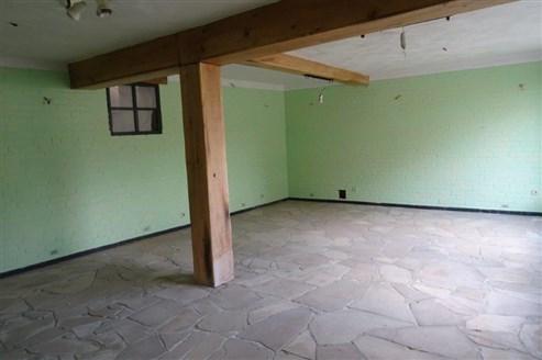 Unschlagbares Angebot: sowohl für Investoren als fertig geplantes Mehrfamilienhaus mit 6 Wohneinheiten oder aber zur professionellen Nutzung als Wohnhaus mit Atelier.