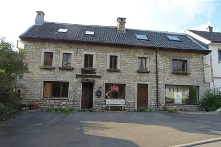 Unschlagbares Angebot: sowohl für Investoren als fertig geplantes Mehrfamilienhaus mit 6 Wohneinheiten oder aber zur professionellen Nutzung als Wohnhaus mit Atelier. - 4730 Raeren, Belgien