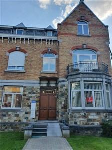 Ruhige, zentral gelegene, charmante Wohnung mit hohen Decken inklusive Garage und schönem Balkon.  - 4700 Eupen, Belgien