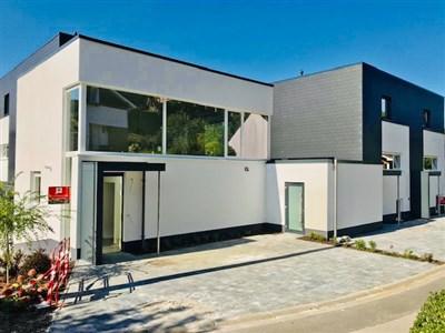 ZEITGENÖSSISCHES WOHNEN FÜR FAMILIEN!  5  NEUBAU-EFH IN HOCHWERTIGER VOLLAUSSTATTUNG UND AUSSERGEWÖHNLICHER STADTKERNRANDLAGE  - 4960 Malmedy, Belgien