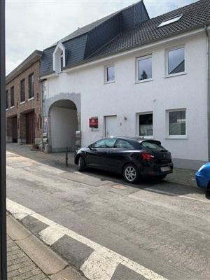 Das perfekte großflächige Familien-Stadteckhaus in einer der schönsten, ruhig gelegenen, dennoch zentralen Gasse Eupens. - 4700 Eupen, Belgien