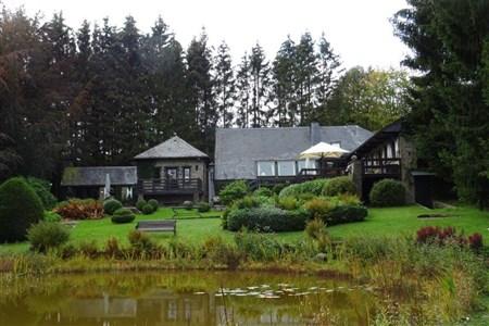 Einzigartige Jagdresidenz mit parkähnlicher Gartenanlage inklusive Weiher und  Innenpool in atemberaubender Vennlandschaft. - 4950 Sourbrodt, Belgien