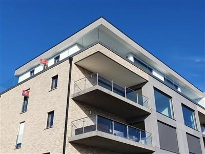 Gleichermaßen einzigartiges und luxuriöses Penthouse mit traumhafter Terrasse und atemberaubendem Ausblick  in bester verkehrstechnischer Lage ( B-NL-D) - 4720 Kelmis, Belgien