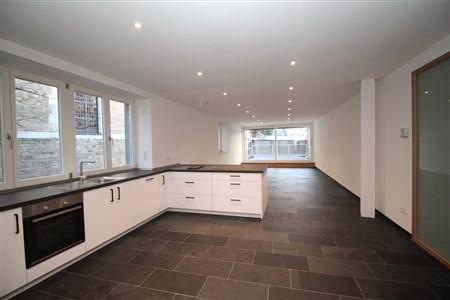 Helle Wohnung in moderner offener Bauweise in der Innenstadt - 4700 Eupen, Belgien