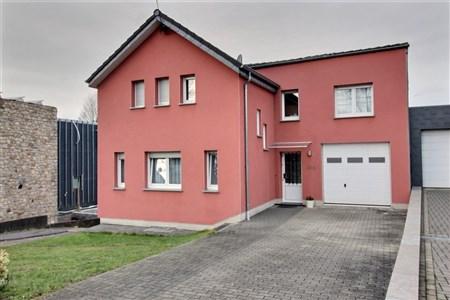 Haus mit Garten und Garage - KETTENIS