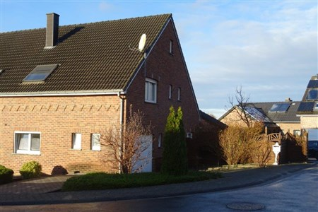 Starten sie ins Glück in Ihrem neuen, schmucken EFH nahe des Dreiländerecks B-NL-D - 4720 Kelmis, Belgien
