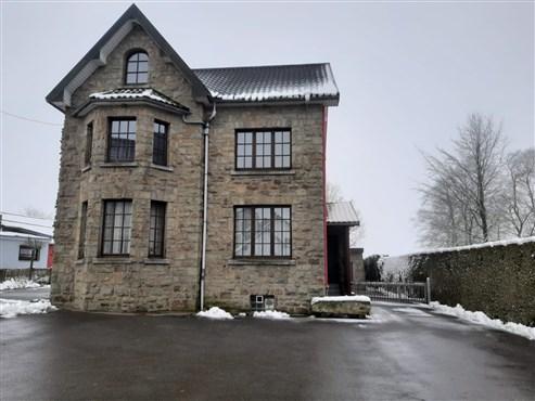 Geräumiges Einfamilienhaus mit großem Garten inmitten bezaubernder, wilder Vennlandschaft.